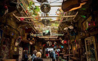 Szimpla Kert, el pub en ruinas más famoso de Budapest